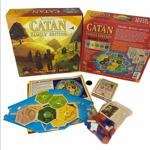 Catan Family Edition *Nearly complete. Missing ONE